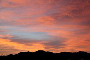 ある日の夕焼け:当社代表岩本が撮影した写真です。
